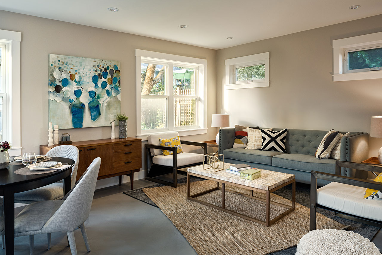 lwh1_nvan_coach_house_livingroom